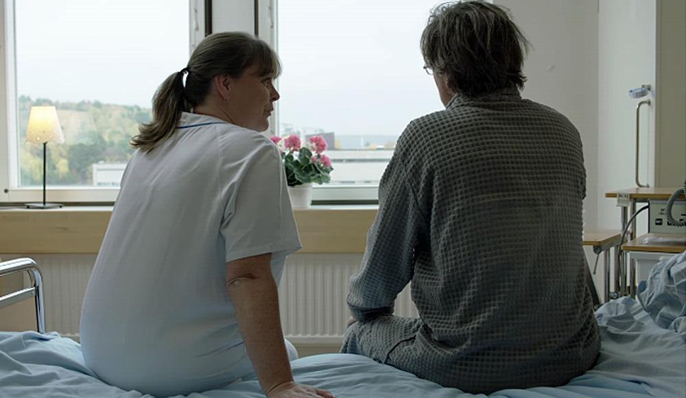 Bild för Patientkontakt utan närkontakt – om de känsliga patient- och närståendesamtalen under pandemin